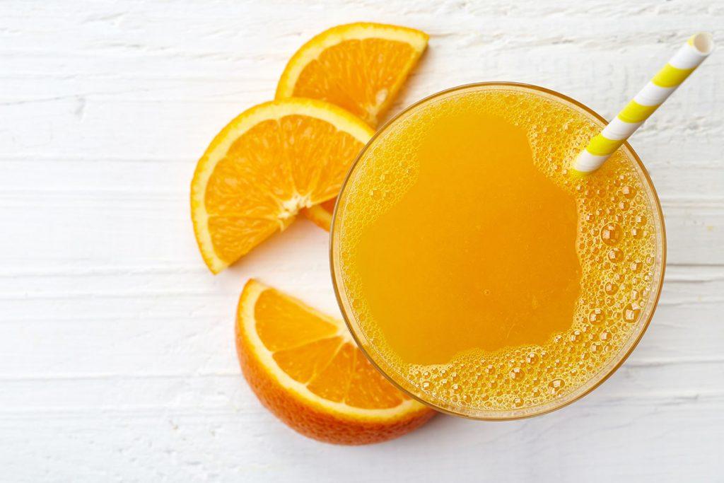 10 powodów dlaczego musisz pić świeżo wyciskane soki (i od